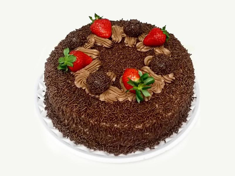 bolo-chocolate-brigadeiro-e-morango-confeitaria-meridional