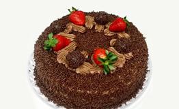 mini-bolo-chocolate-brigadeiro-e-morango